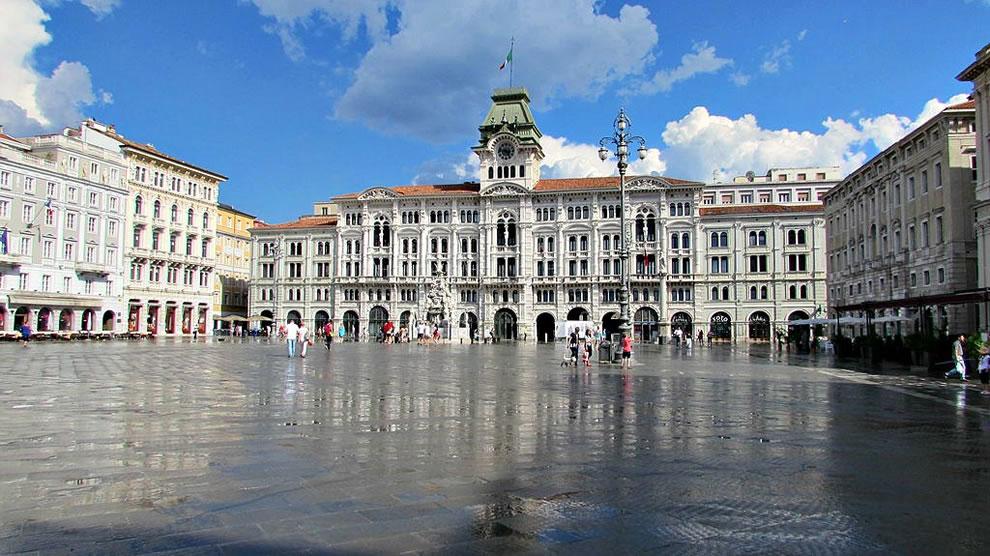 Piazza Unità d'Italia a Trieste - Residence Trieste